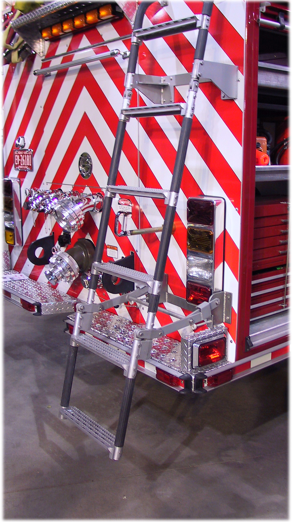 18″ Width Swing Out & Down Vehicle Ladders